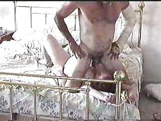 Lesbianas gay amateur español junto a la chimenea