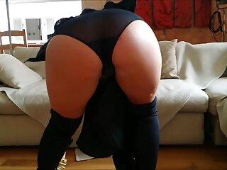 Masturbarse el coño delante de un clases de sexo en español chico y dejarse follar