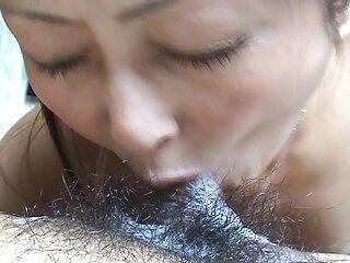 Diversión en la ducha con consolador vaginal porno suave español