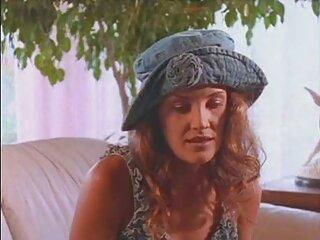 Rubia se videos sexo oral en español mete un pepino por el culo