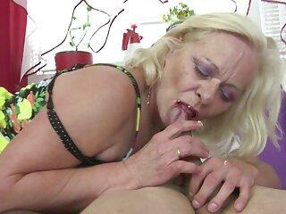 Ella se instaló en el patio de videos de sexo subtitulado una casa particular.