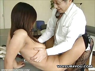 El sexo de verano es especialmente bueno con una incesto padre hija en español chica tetona