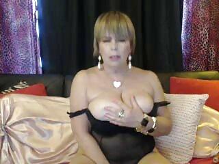 Chica fabulosa acaricia la porno publico español vagina