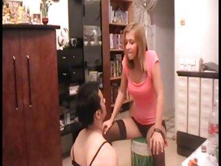 Una preciosa videos de sexo subtitulado morena complace a un chico en un ambiente íntimo