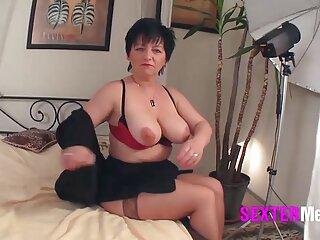 Un consolador en porno en español por dinero dos vaginas