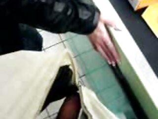 Masturbación en videos gay de jovenes en español vagina ducha