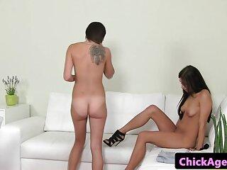 Dahlia Sky y Vicki Chase disfrutan de un xnxx completas anal duro
