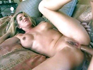Sexo caliente en una habitación españolas lesbianas follando blanca